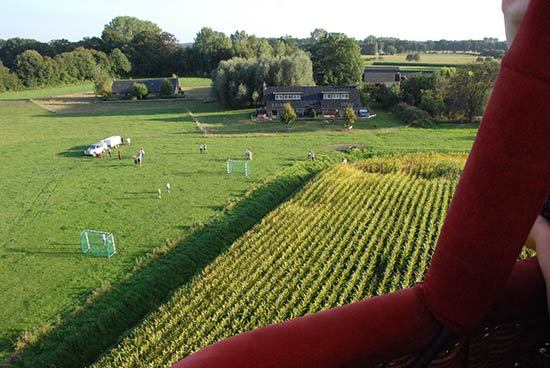 ballonvaart vanaf huisje met jacuzzi in Gelderland luchtballon