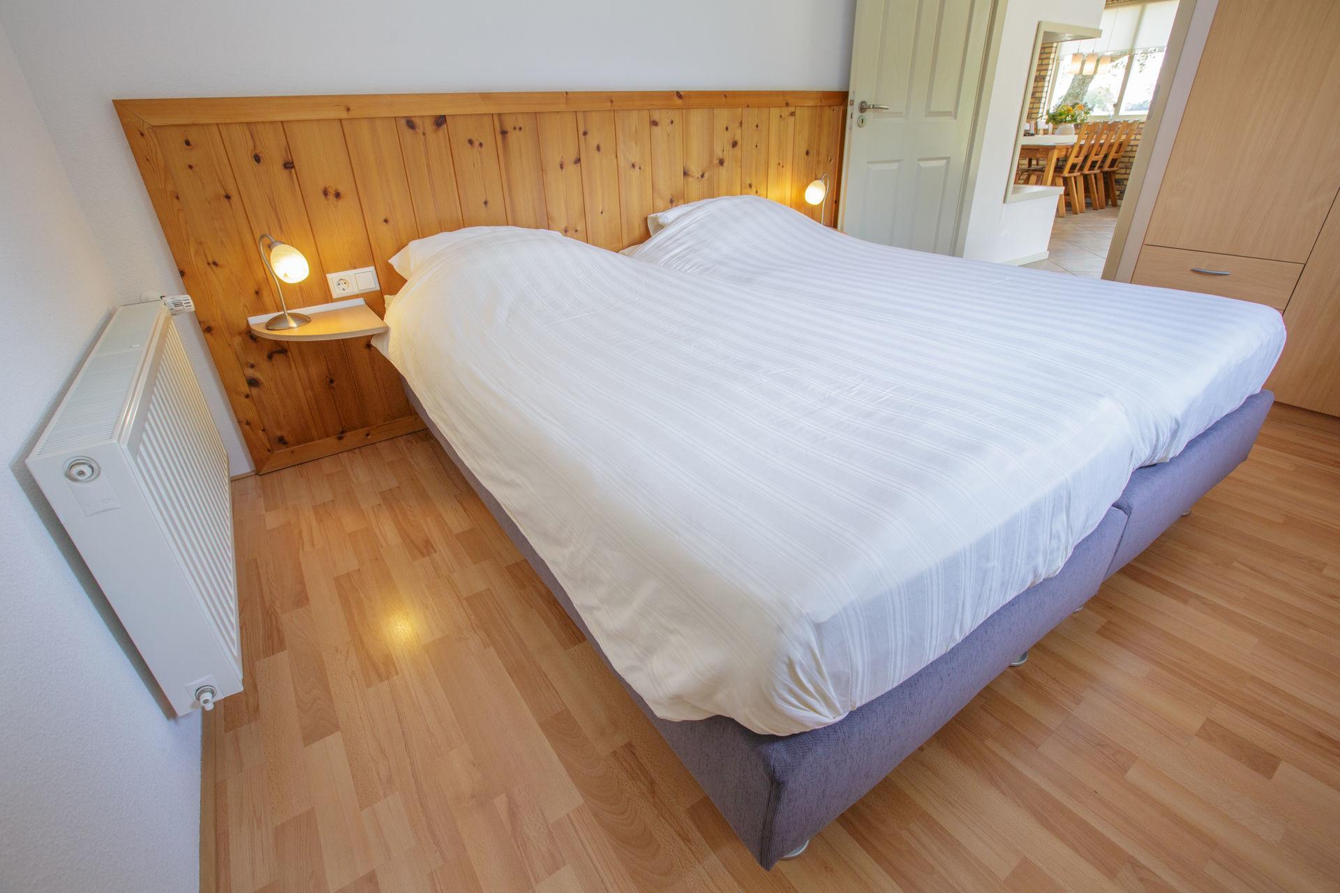 Jacuzzihuisje in Gelderland - Klaproos slaapkamer